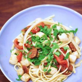 Chorizo & scallop linguine
