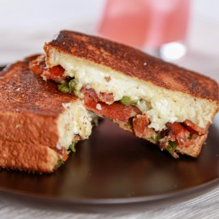 Bacon_Jalapeno_Popper_Grilled_Cheese-1024x682