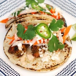 """Spicy Shrimp """"bánh mì"""" Tacos"""