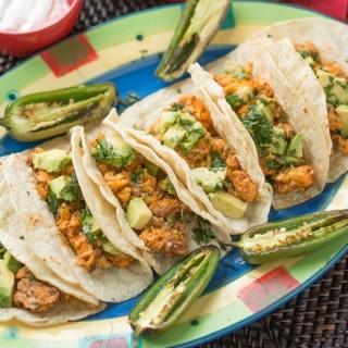 Huevos con Chorizo – Mexican Breakfast Tacos