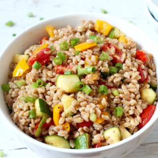 Fast farro salad with veggies