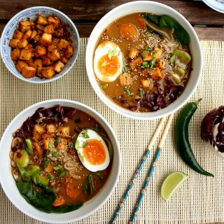 Healthy Ramen with Rice Noodles, Tofu and Veggies