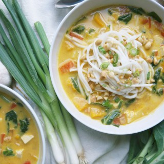 Spicy Pumpkin Noodle Soup (Vegan)